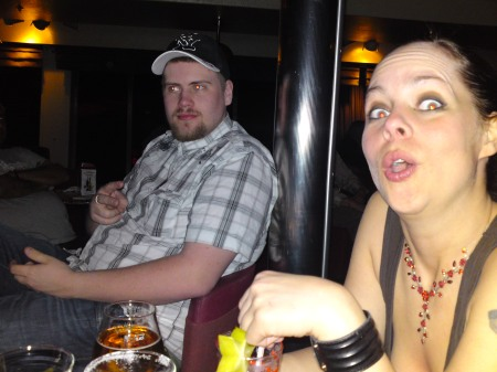 fredrik-och-stggvanja-i-karaokebaren1